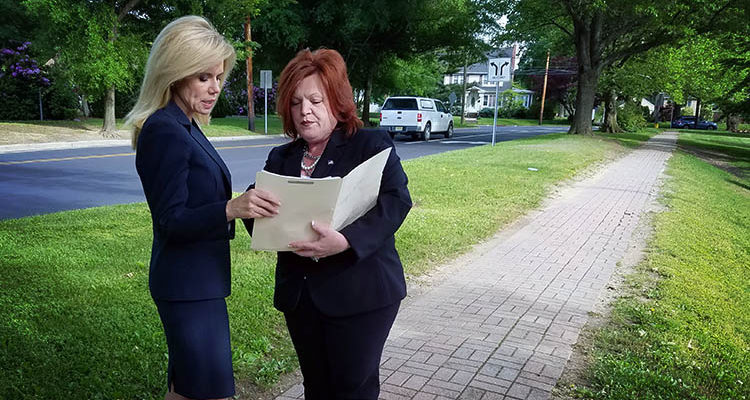 Mayor Kelly Yaede and Councilwoman Dina Thornton